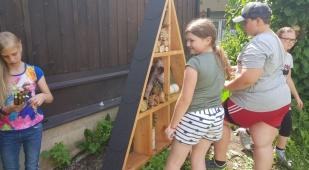 Insektenhotel – Werkerziehung mit den 4. Klassen